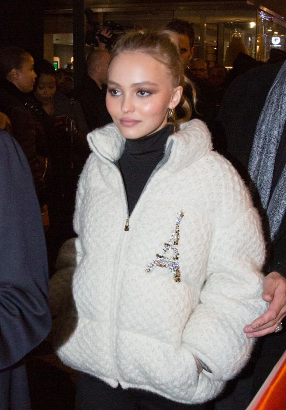 Lily-Rose Depp - Leaving Cafe Restaurant Butik in Paris 11/22/2017