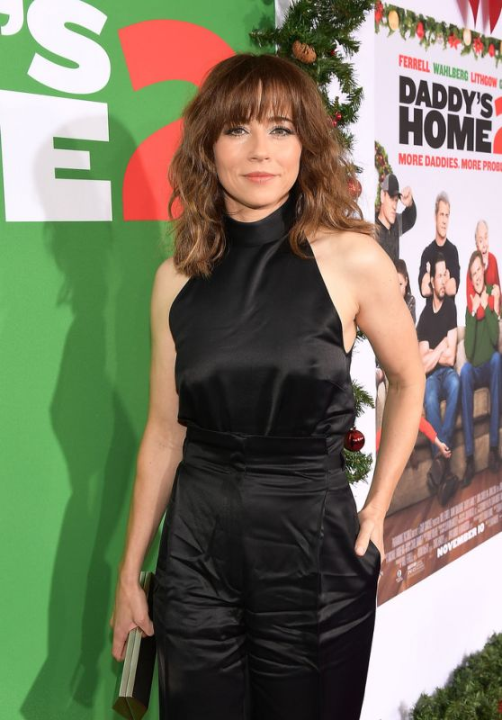 """Linda Cardellini – """"Daddy's Home 2"""" Premiere in Westwood"""
