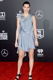 """Lisa Loven – """"Justice League"""" Red Carpet in Los Angeles"""