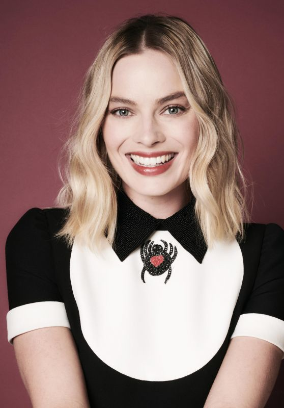 Margot Robbie - Deadline Magazine November 2017 Issue