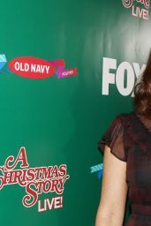 """Maya Rudolph – """"A Christmas Story Live!"""" Lighting Event in Los Angeles 11/24/2017"""