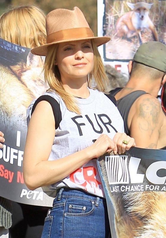 Mena Suvari - Anti-Fur Protest in Los Angeles 11/24/2017
