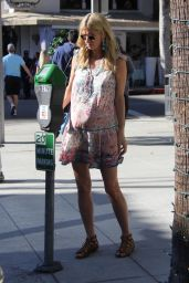 Nicky Hilton - Shopping in Beverly Hills 11/22/2017