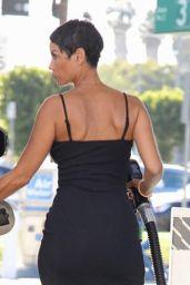 Nicole Murphy - Getting Gas in LA 11/08/2017