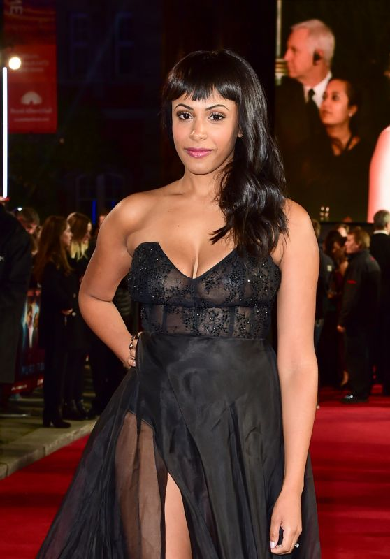 "Nicolette Robinson – ""Murder on the Orient Express"" Red Carpet in London"