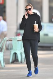 Olivia Palermo in NIKE Workout Gear - Brooklyn, NY 11/03/2017