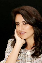 """Penelope Cruz Headshots - """"Murder on the Orient Express""""Press Conference in London"""