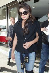 Priyanka Chopra - Arriving on a Flight at LAX Airport in Los Angeles 11/10/2017