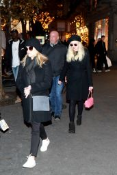 Reese Witherspoon & Ava Phillippe - Shopping in Paris 11/22/2017