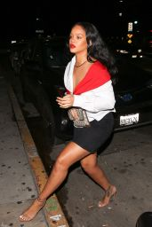 Rihanna Style - Out for Dinner in Santa Monica 11/11/2017