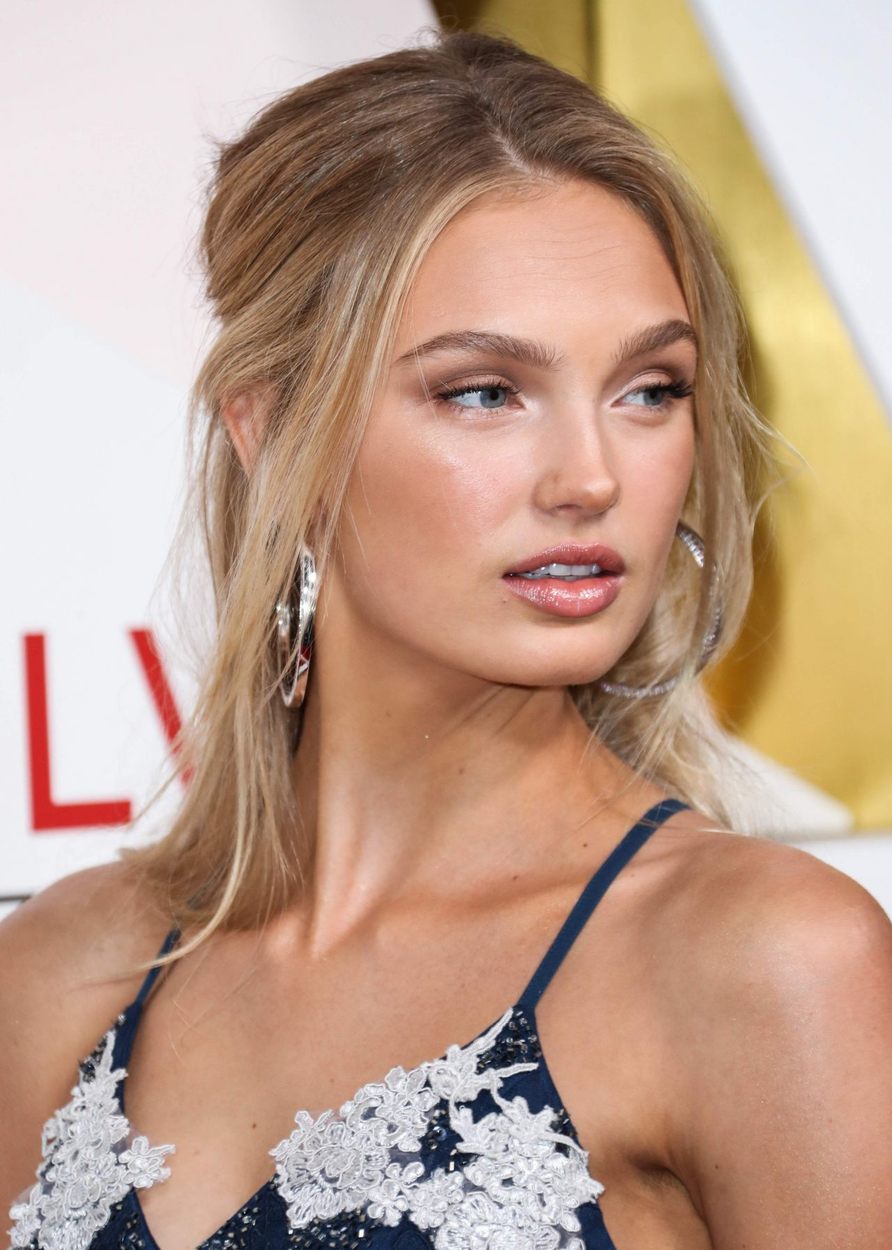 Romee Strijd Revolveawards 2017 In Hollywood