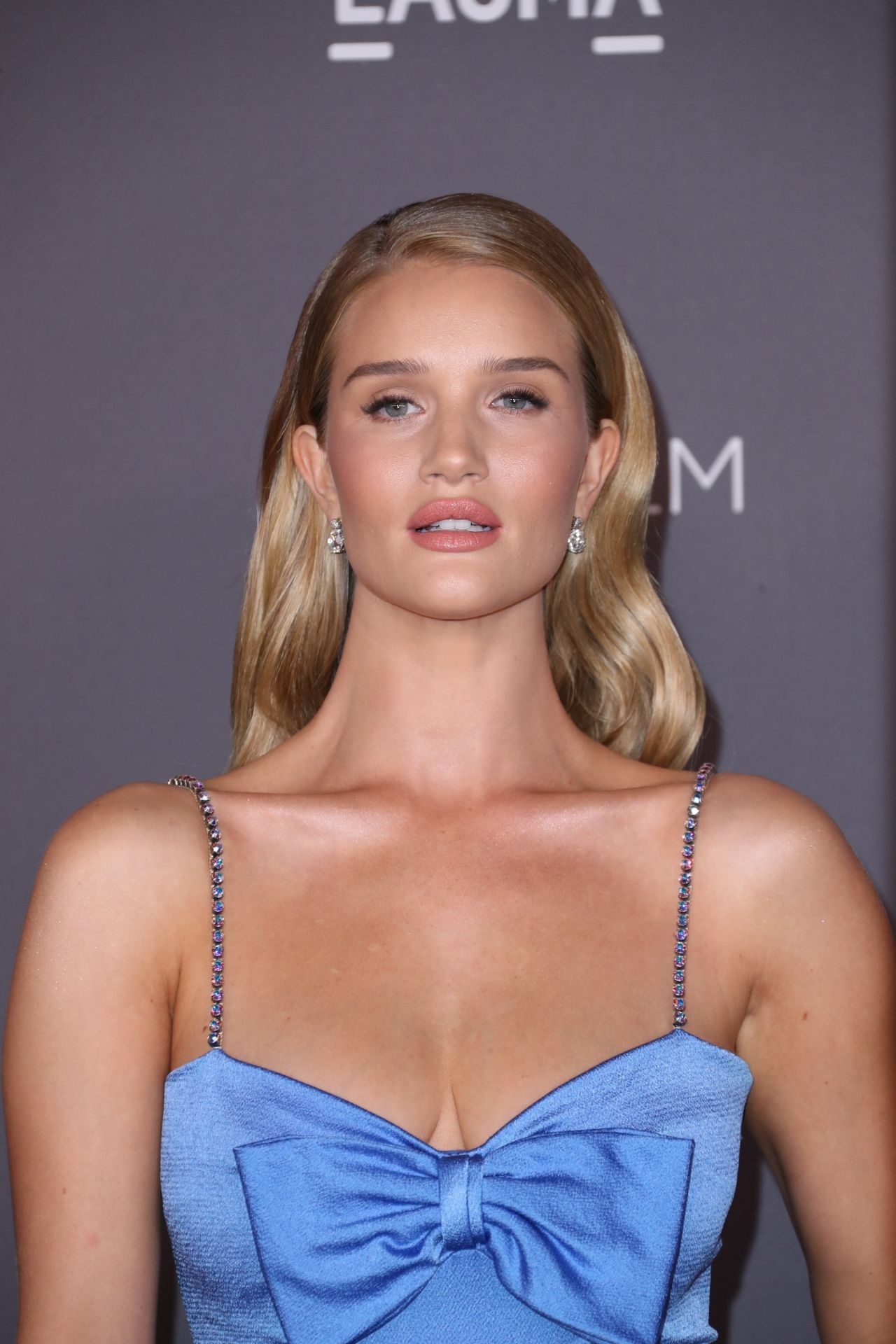 Rosie Huntington-Whiteley – 2017 LACMA Art and Film Gala ... Rosie Huntington Whiteley