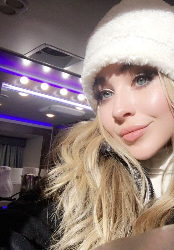 Sabrina Carpenter - Social Media 11/25/2017