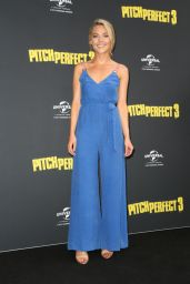 """Sam Frost – """"Pitch Perfect 3"""" Premiere in Sydney"""