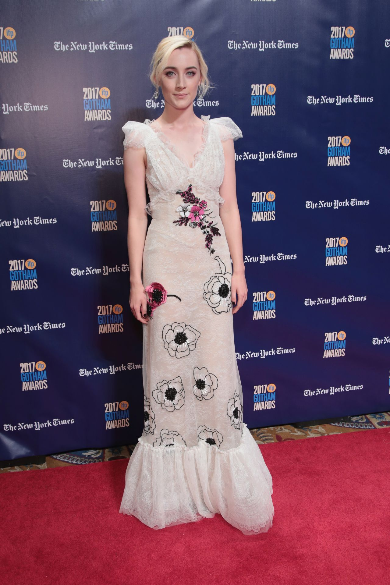 http://celebmafia.com/wp-content/uploads/2017/11/saoirse-ronan-gotham-independent-film-awards-2017-in-new-york-1.jpg
