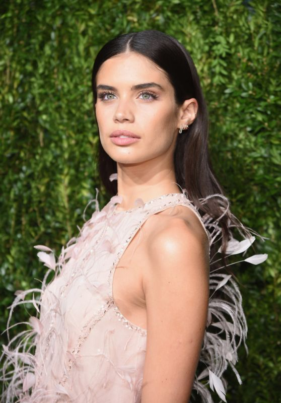 Sara Sampaio – CFDAVogue Fashion Fund Awards 2017 in NYC