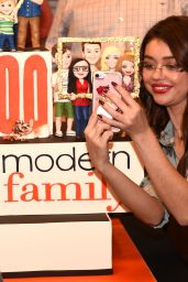 Sarah Hyland and Ariel Winter - Celebrate Modern Family