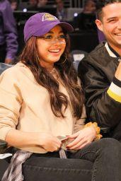 Sarah Hyland - Lakers v Bulls Game at the Staples Center in LA 11/21/2017
