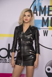 Selena Gomez - American Music Awards 2017 in Los Angeles