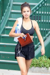 Selena Gomez in Workout Gear - Outside a Gym in Los Angeles 11/01/2017