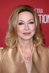 Sharon Lawrence – SAG-AFTRA Foundation Patron of the Artists Awards in Beverly Hills 11/09/2017