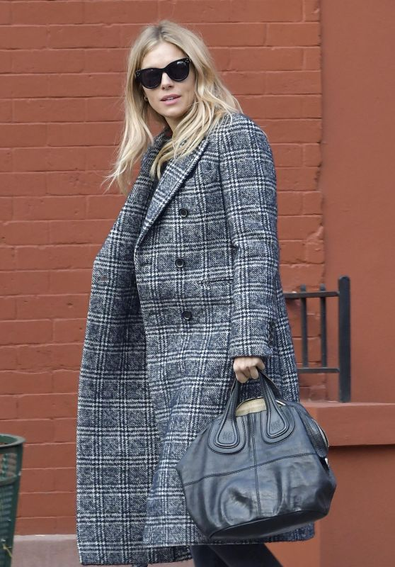 Sienna Miller Fall Style - New York City 11/27/2017