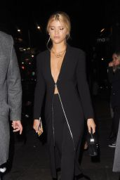 Sofia Richie Style - Leaving Restaurant Ours in London 11/14/2017