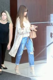 Sofia Vergara Casual Style - Heads to a Meeting in Santa Monica 11/21/2017