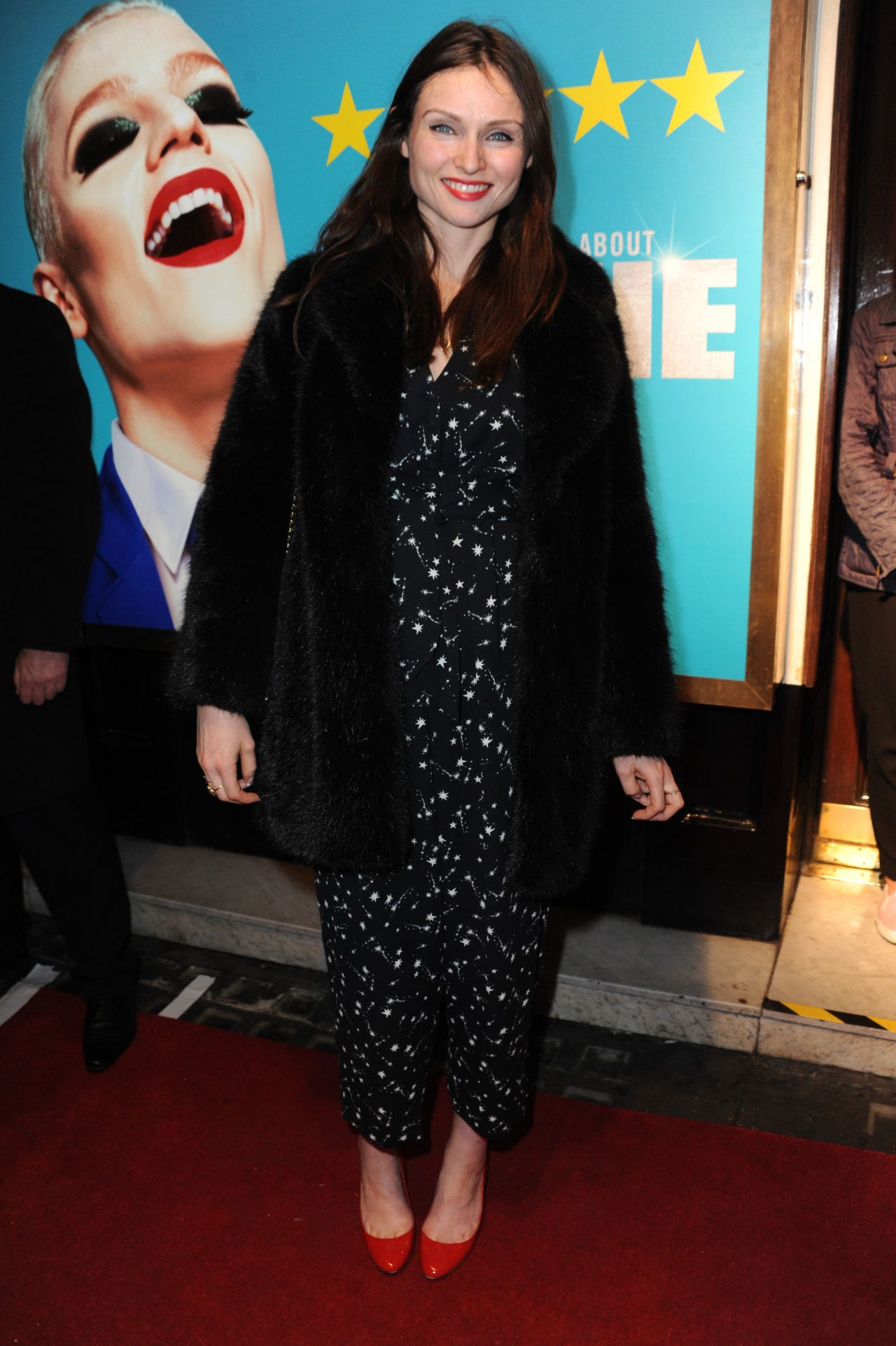 http://celebmafia.com/wp-content/uploads/2017/11/sophie-ellis-bextor-everybody-s-talking-about-jamie-press-night-in-london-11-22-2017-6.jpg