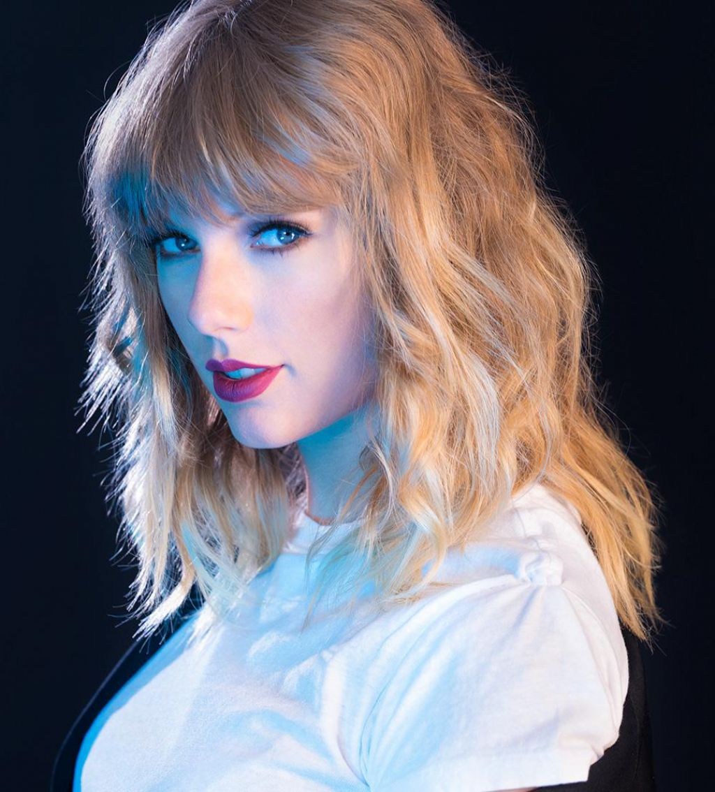 Taylor Swift Headshot 2017
