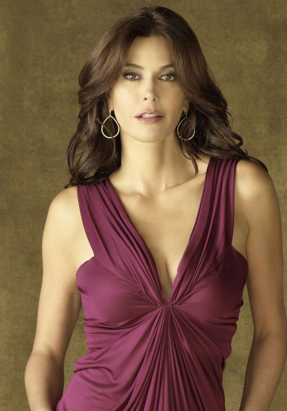 "Teri Hatcher – ""Desperate Housewives"" Season 7 Promoshoot"