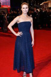 """Yolanda Kettle – """"The Crown"""" TV Show Premiere in London"""