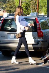 Alessandra Ambrosio -  Shopping in Brentwood 12/06/2017