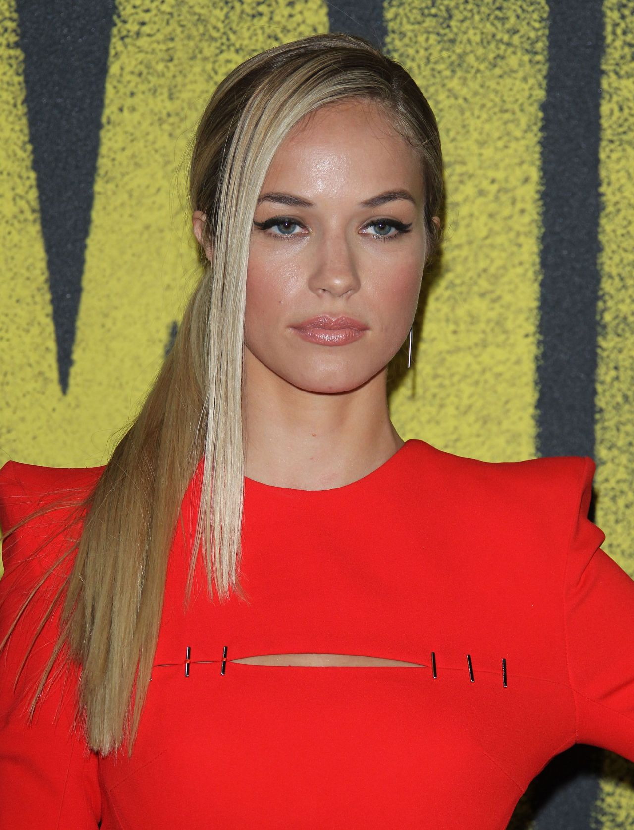 Alexis Knapp Pitch Perfect 3 Premiere In Los Angeles