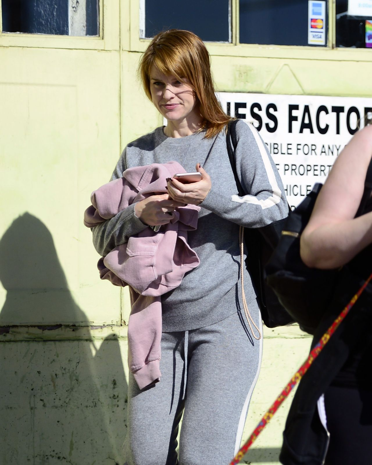 Alice Eve Debuts a New Strawberry Blonde Haircut - Los Angeles 12/22/2017