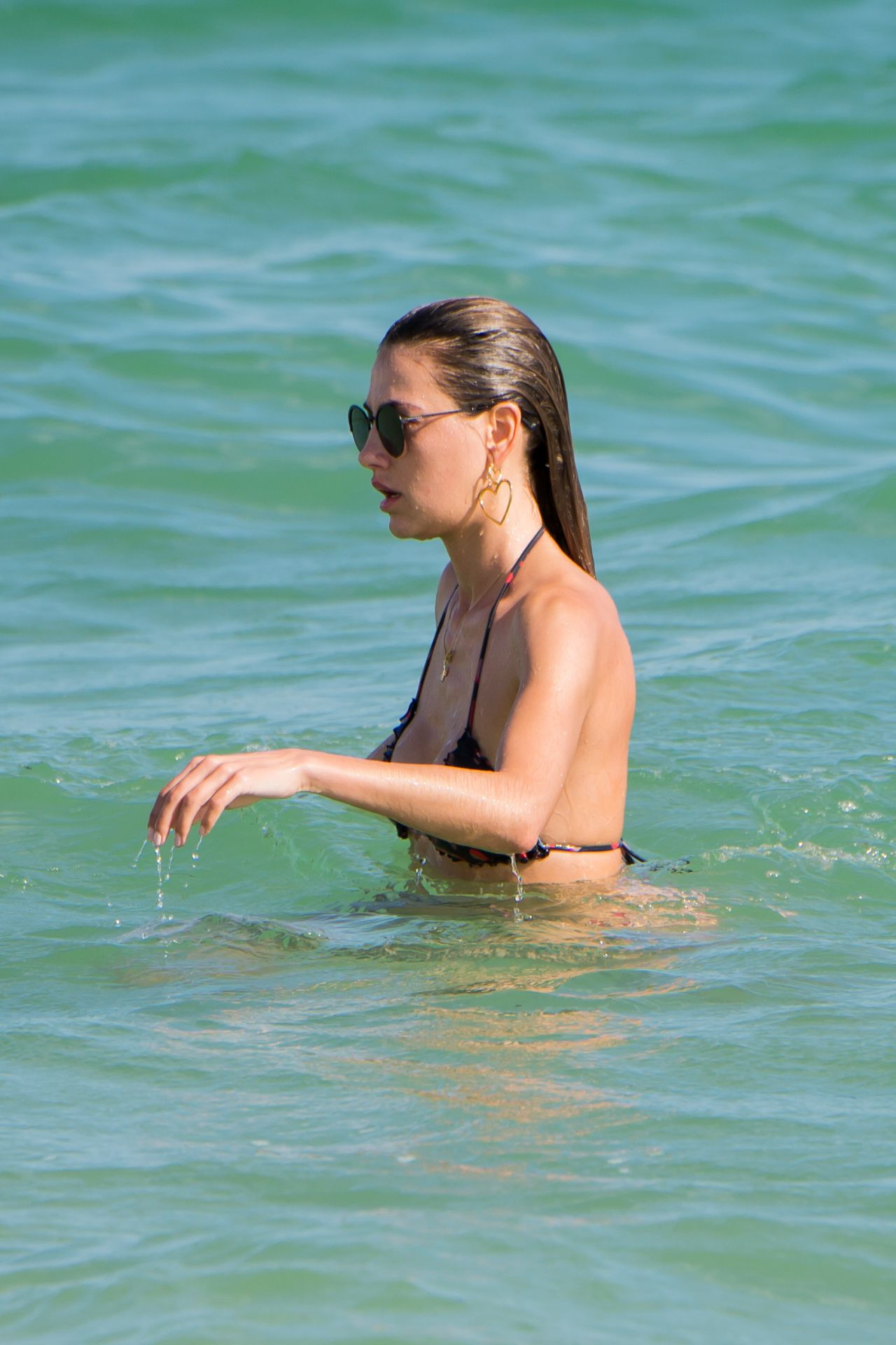 Alina Baikova in Bikini on the beach in Miami Pic 11 of 35