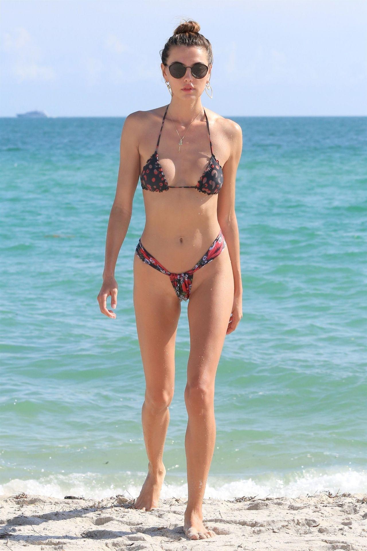 Bikini Alina naked (15 photos), Tits, Leaked, Feet, butt 2006