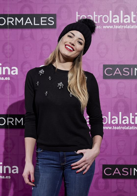 """Alyson Eckmann – """"Casi Normales"""" Play Opening Night in Madrid"""