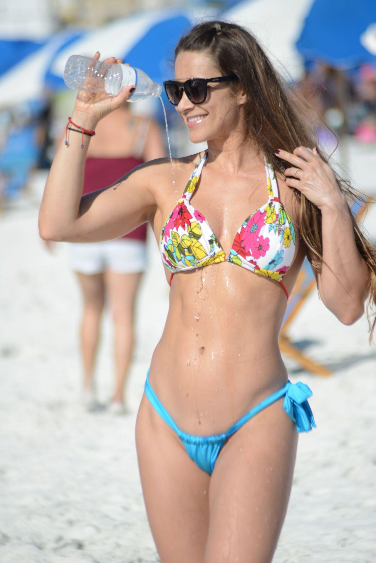 Anais Zanotti Hot anais zanotti and nicole cardia hot in bikini - miami beach