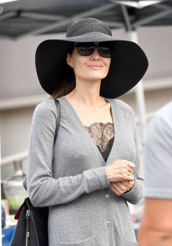 Angelina Jolie -Rosebowl Flea Market in Pasadena 12/10/2017