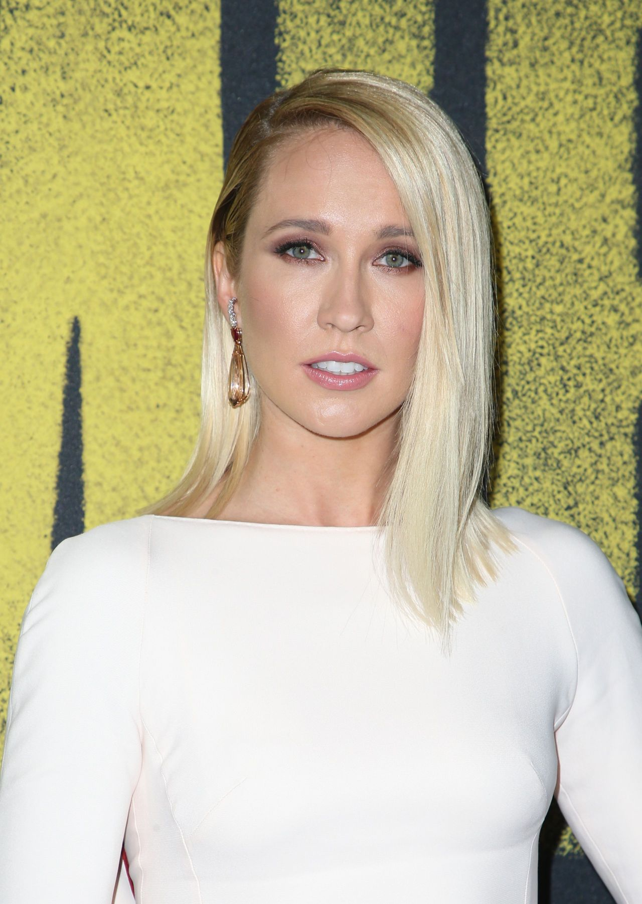 Anna Camp Pitch Perfect 3 Premiere In Los Angeles