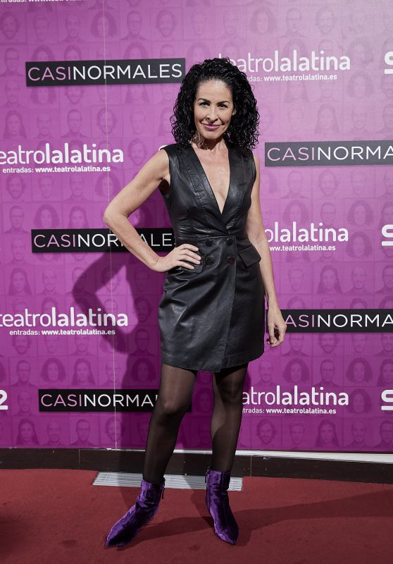 "Anna Maria Agusti Flores – ""Casi Normales"" Play Opening Night in Madrid"