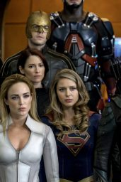 "Arrowverse ""Crisis on Earth X"" - The Flash/Supergirl/Legends Of Tomorrow/Arrow Crossover - November 2017"