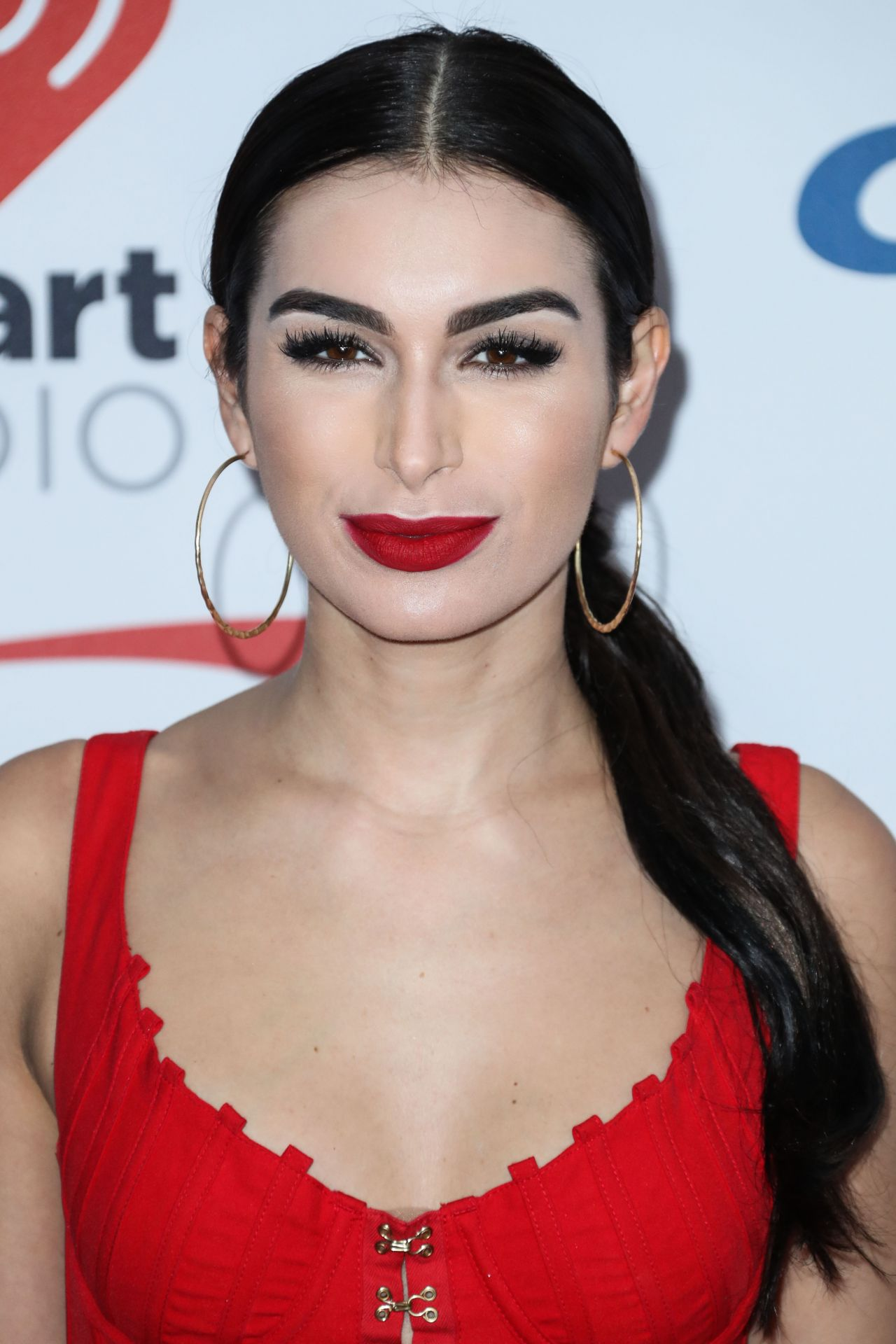 Ashley Iaconetti Jingle Ball 2017 In Inglewood