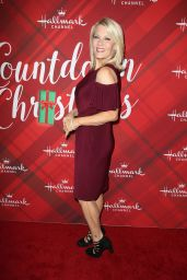 """Barbara Niven – """"Christmas at Holly Lodge"""" Screening in Los Angeles"""