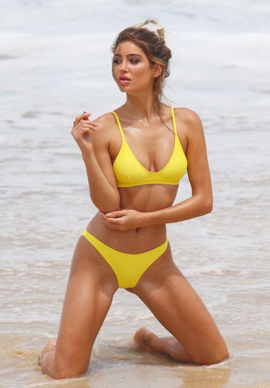 Bella Lucia - Bikini Photoshoot on Bronte Beach 12/07/2017