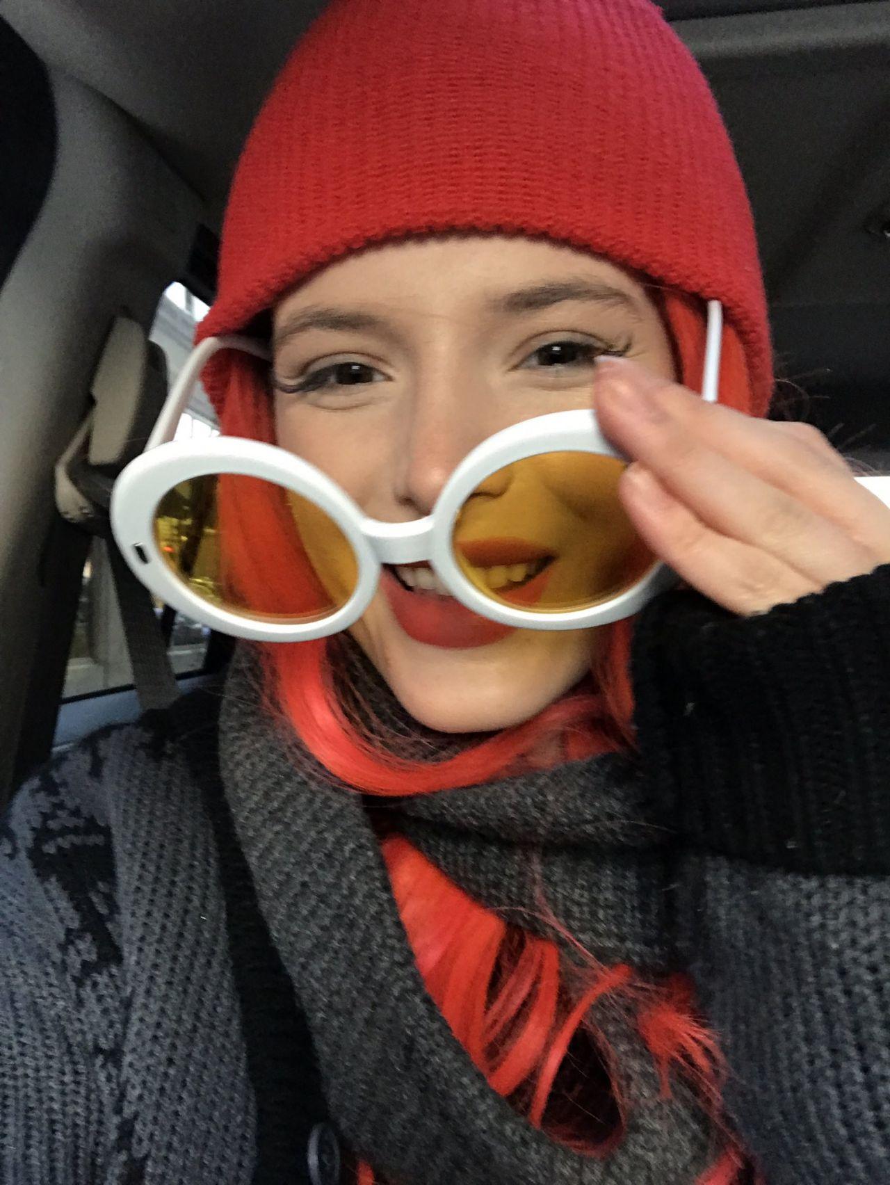 Bella Thorne - Social Media 12/01/2017