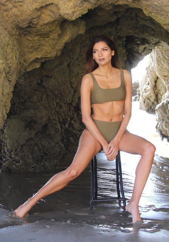 Blanca Blanco Shows Off Her Bikini Body at Matador Beach in Malibu 12/07/2017