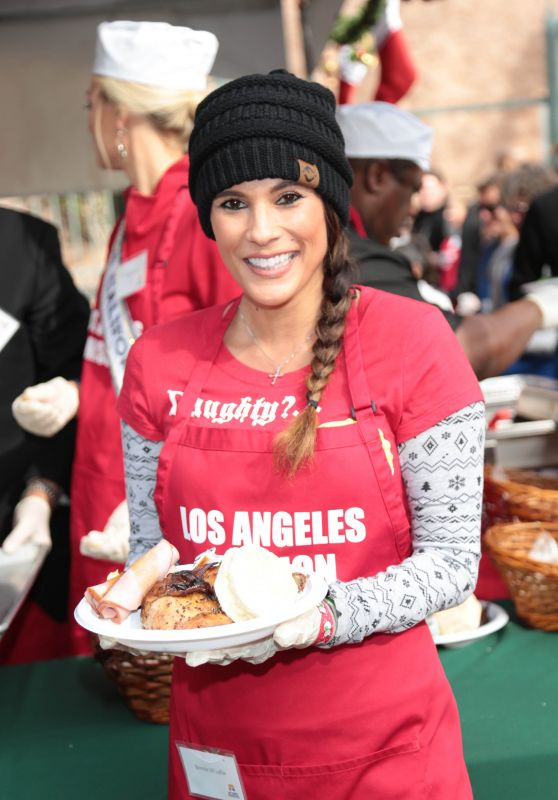 Bonnie Jill Laflin – Los Angeles Mission Serves Christmas to the Homeless