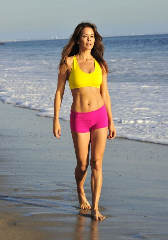 Brooke Burke-Charvet on the Beach in Malibu, November 2017
